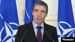 Armenia - NATO's Secretary General Anders Fogh Rasmussen at a press conference in Yerevan, 6Sept2012.