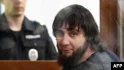 Обвиняемый в убийстве Бориса Немцова Заур Дадаев в зале суда