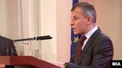 Министерот Едмонд Адеми