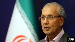 علی ربیعی، سخنگوی دولت جمهوری اسلامی، «تلافی» بودن اقدام ایران در توقیف نفتکش بریتانیا را رد میکند