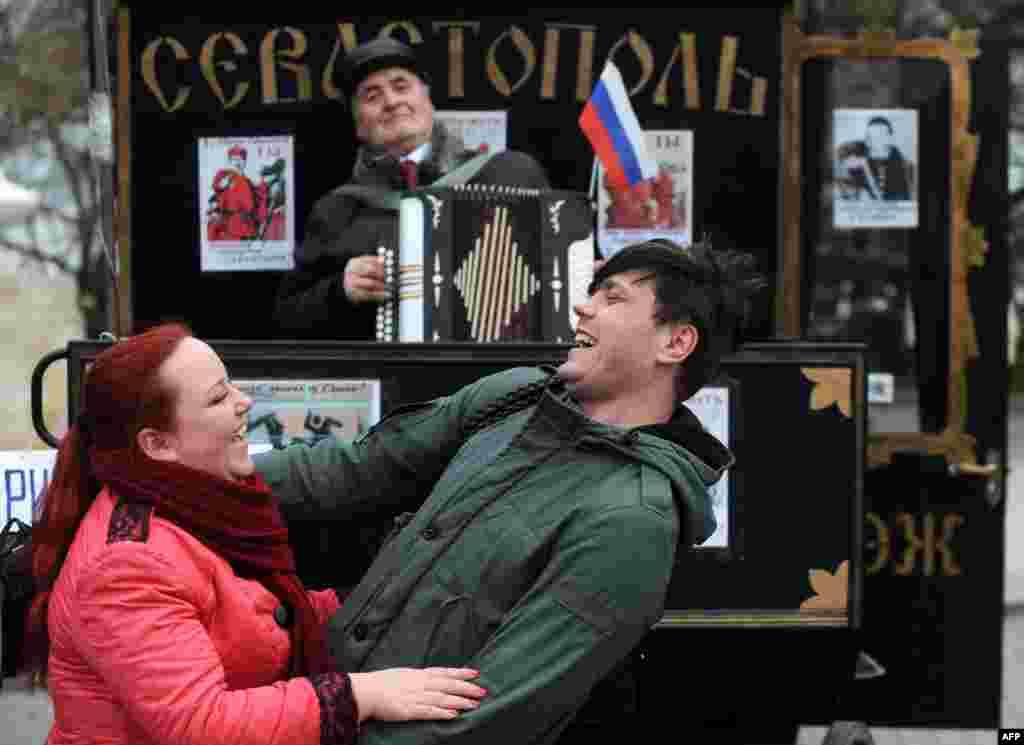 На улицах Севастополя после подведения итогов референдума о статусе Крыма