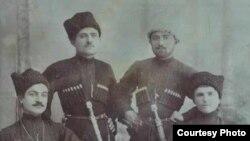 Хуршил Багьавудин (квегIса) гьалмагъзабигун. Темир-Хан-Шура.