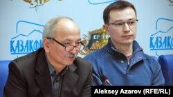 Режиссеры и сценаристы мультфильма «Ер Тостик и Айдахар» Жакен Даненов и Рустам Туралиев (справа).