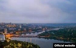 Оригінал – фото Донецька з fotoluxstidio.com