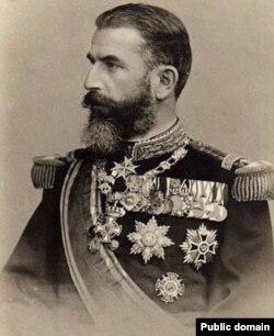 Carol I de Hohenzollern Sigmaringen a devenit domnitor al României la 10 Mai 1866. Decizia a aparținut elitelor politice românești care ceruseră la Divanurile Ad-Hoc din 1857-1858 instaurarea la București a unei dinastii occidentale. După obținerea Independenței și recunoașterea ei, la 10 Mai 1881, România devine regat (stat suveran în limbajul încă monarhic al vremii), iar Carol I este încoronat rege. A domnit 48 de ani, cea mai lungă domnie din istoria românilor. Arhivele Naționale.