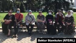 Акция родственников кыргызстанок, находящихся на территории Сирии. Бишкек, 3 августа 2020 года.