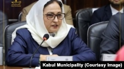 آمنه مایار که به تازگی رئیس ناحیه پانزدهم شاروالی کابل شده است.