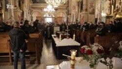 У Львові поховали Романа Віктюка (відео)