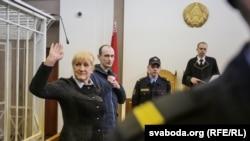 Адвакатка Ганна Бахціна на судзе па справе Эдуарда Пальчыса.