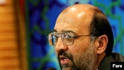 محمود فرشیدی، وزیر آموزش و پرورش دولت احمدی نژاد، به دلیل اهانت به پیغمبر در وزارتخانه متبوع خود، مورد انتقاد قرار گرفته است.