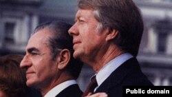 جیمیکارتر رئیسجمهور دموکرات آمریکا که متهم است پشت شاه را در لحظه بحران خالی کرده است.