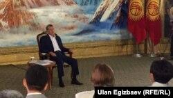 Пресс-конференция с президентом Кыргызстана Алмазбеком Атамбаевым. Чолпон-Ата, 1 августа 2016 года.