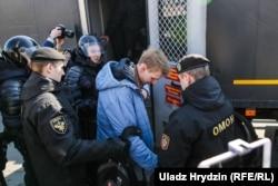 АМАП затрымлівае Богуша Цыганкова. Менск, 25 сакавіка 2018 году