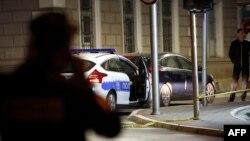 Policija ispred policijske stanice u Zvorniku nakon terorističkog napada Nerdina Ibrića