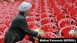 Karriget e vogla simbolizonin fëmijët e vrarë gjatë rrethimit të Sarajevës...