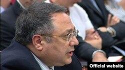 Yaşar Əliyev