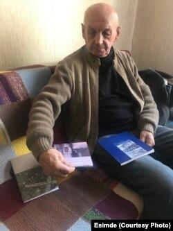 Алексей Андрианов и его книги.