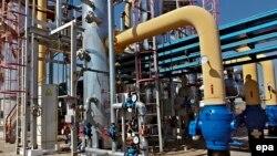 Російський газовий монополіст «Газпром» з 1 жовтня перестав використовувати українську газотранспортну систему для постачання газу до Угорщини