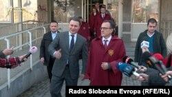 Архивска фотографија: Лидерот на ВМРО-ДПМНЕ Никола Груевски и неговиот адвокат Никола Додевски пред Кривичниот суд во Скопје