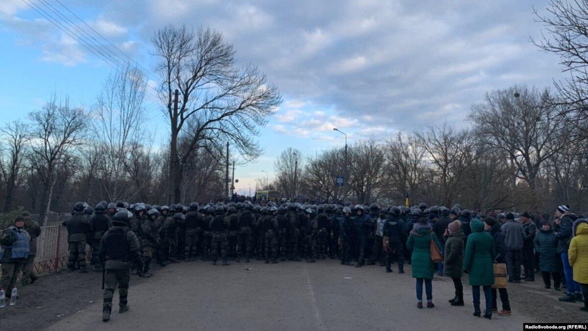 Геращенко заявил, что в беспорядках в Новых Санжарах основном участвовали местные