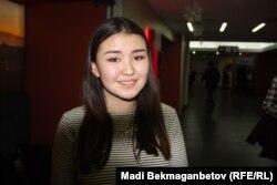 """""""Тоқал"""" фильмінің премьерасына келген студент Іңкәр Мұхтар. Астана, 5 желтоқсан 2016 жыл."""