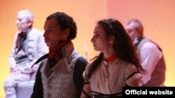 """Сцена из спектакля """"Аркадия"""""""