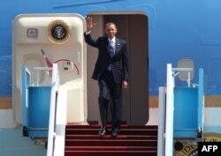 Barack Obama pe aeroportul Ben Gurion