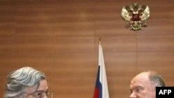 И не гросс, и не так, а как? Швейцарский социалист проинспектировал русского коммуниста и остальных действующих лиц завершившейся кампании