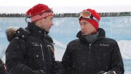 Президет и премьер не ссорятся, а наслаждаются катанием на горных лыжах в Красной Поляне