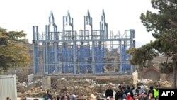 Pamje nga protesta e 13 shkurtit 2011, në Kalanë e Shkupit, e cila eskaloi në dhunë.