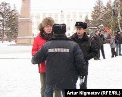 Оқои Аҳмадёров қаблан низ мавриди бозҷӯии пулис қарор гирифта буд.