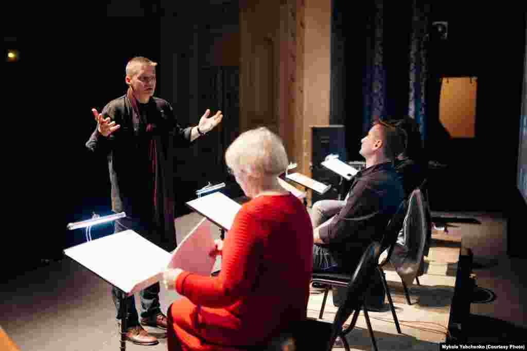 Репетиція документальної п'єси «Сім»