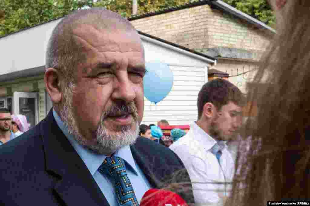 Кырымтатар мәҗлесе рәисе Рефат Чубаров гает намазыннан соң