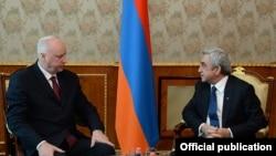 Armenia - President Serzh Sarkisian (R) meets with Aleskandr Bastrykin, head of Russia's Investigative Committee, Yerevan, 20Jan2015.