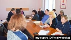 Депутати Євпаторійської міськради обговорюють профілактику коронавірусу