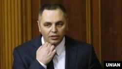 Сам Портнов заявляє, що рішення комітету є «помилковим і не відповідає дійсності»