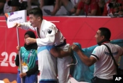 Дархан Нортаев после победы в финале. Джакарта, 25 августа 2018 года.