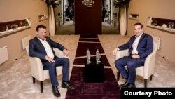 Премиерите на Македонија и на Грција, Зоран Заев и Алексис Ципрас на средба за време на Светскиот економски форум во Давос