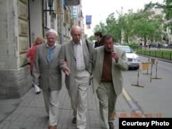 Даниил Гранин, Борис Хлебников и Гюнтер Грасс в Петербурге. 2007 год