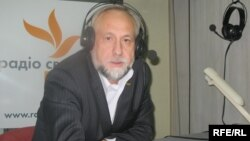 Юрій Кармазін у студії Радіо Свобода, архівне фото