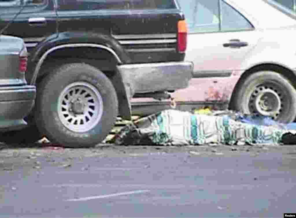 Атыста оққа ұшқан адам. Тараз, 12 қараша 2011 жыл.