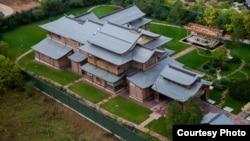 Дом, который по оценке Фонда борьбы с коррупцией, принадлежит семье министра обороны России Сергея Шойгу