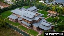 Загородный дом, который, по данным ФБК, принадлежит семье министра обороны РФ Сергея Шойгу
