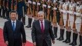 Президент Казахстана Касым-Жомарт Токаев во время визита в Китай и приема главой страны Си Цзиньпином. Пекин, 11 сентября 2019 года.