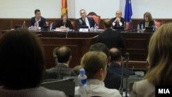 Илустрација-седница на Комисијата за европски прашања на која законот за употреба на јазиците помина во прво читање