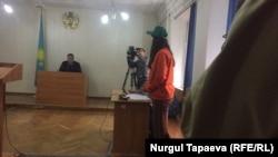 Активистка Суинбике Сулейменова в суде по ее делу. Алматы, 22 апреля 2019 года.