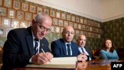 در سال ۲۰۱۵ ائتلاف چهارگانه گفتوگوی ملی ونس نوبل صلح را از آن خود کردند