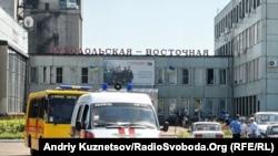 болничко возило пред рудник во Украина