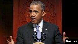 АҚШ президенті Балтиморда Ислам орталығында сөйлеп тұр. 3 ақпан 2016 жыл.