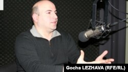 Судя по всему, уже бывший редактор грузинского издания «Форбс» Реваз Сакеваришвили надеялся избежать этого